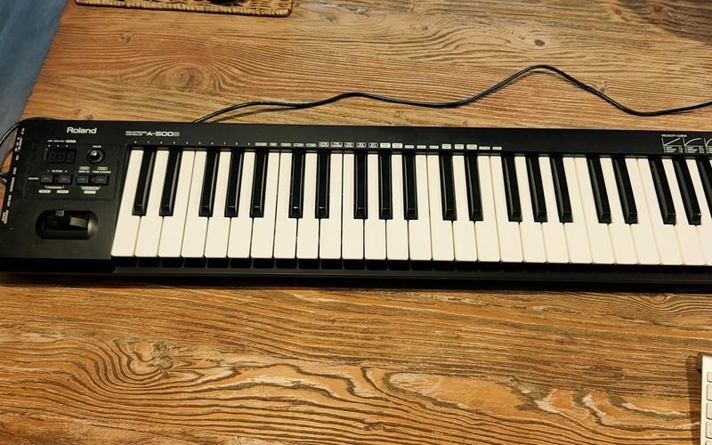 Roland A500
